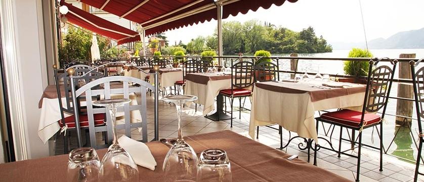 Araba Fenice Restaurant Terrace.jpg